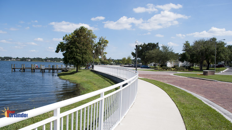 Ocoee, Florida | Lakeshore Drive at the Bill Breeze Park / City Hall Entrance